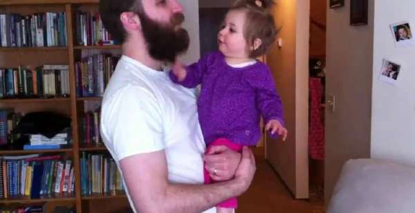 Little Girl Has the Best Reaction to Her Daddy Shaving His Beard