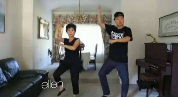 mother and son duo gagnam style
