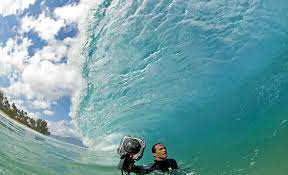 Photographer Dares To Capture The Most Amazing Waves On Earth