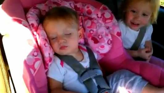 sleeping-baby-wakes-up-to-gangnam-style-and-starts-dancing-2013-02-06-143118-67