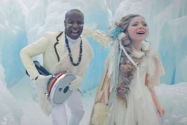 Let-It-Go-Frozen-Alex-Boyé-Africanized-Tribal-Cover-Ft.-One-Voice-Childrens-Choir-830x575-640x443