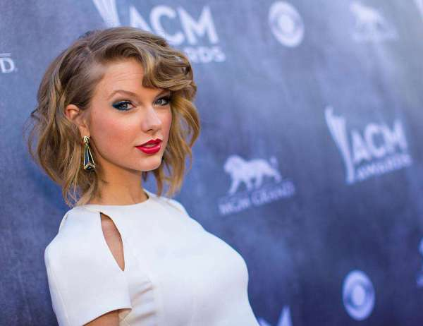 49th Annual Academy Of Country Music Awards - Red Carpet