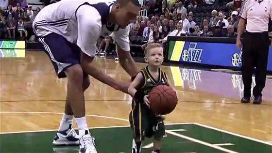 basketball-jazz-141007-03.blocks_desktop_medium