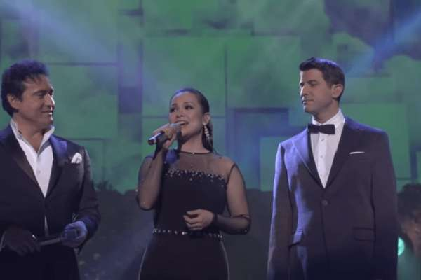 Lea-Salonga-Sings-A-Whole-New-World-22-Years-After-Aladdin-With-Il-Divo-VIDEO