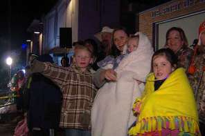 Utah Town Has Christmas Light Parade For Terminally Ill Child