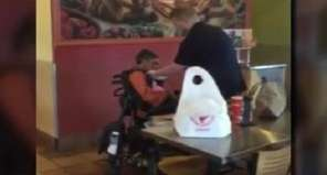 An Act Of Kindness At A Restaurant Goes Viral