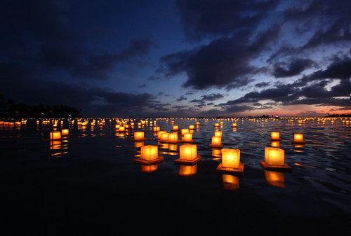floating lanterns memorial day