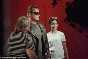 Arnold Schwarzenegger Does A Prank On Fans At Madame Tussauds