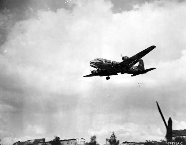 candy bomber drop