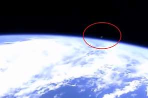 Nasa Cuts Transmission As UFO's Fly Across Earth