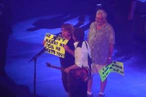 Man Proposes To Girlfriend At Paul McCartney Concert