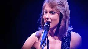 """Taylor Swift Sings """"Ronan"""" To Fight Cancer"""