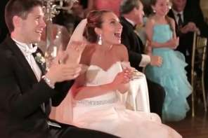 Bride And Groom Are Surprised With This Flash Mob Dance