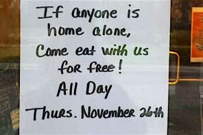 Restaurant Gives Free Food On Thanksgiving For Those Who Are Eating Alone