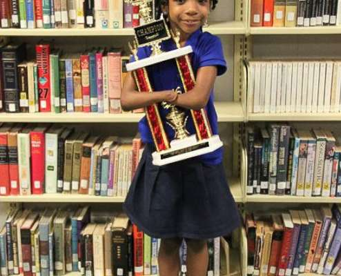 Virginia first grader Anaya Ellick, 7, has such good handwriting, she beat out 50 other youngsters from around the country to win a national handwriting contest.  If that's not impressive enough, Little Anaya was born without hands.