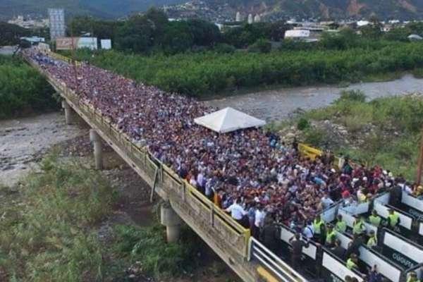 venezuelans cross border