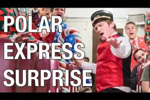 Christmas Flash Mob On A Train
