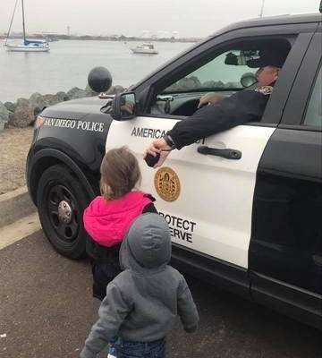 cops-act-of-kindness