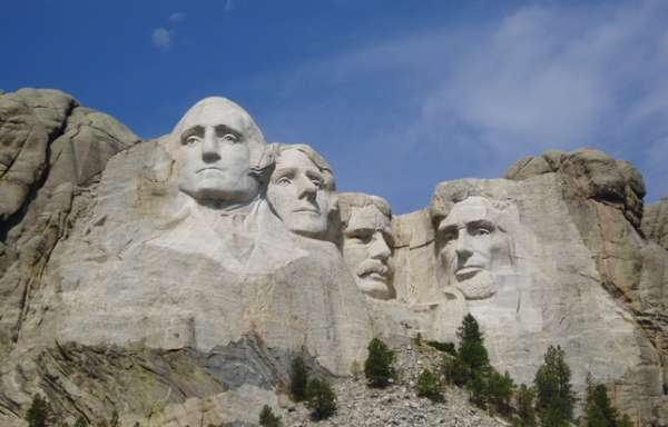 history of mount rushmore