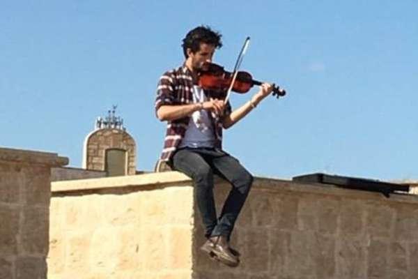 violinists in mosul