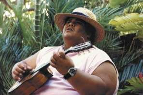 "Israel Kamakawiwo'ole Sings ""What A Wonderful World"""