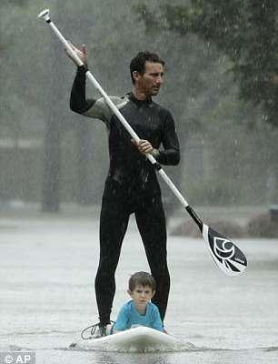 hero saved kids on paddleboard