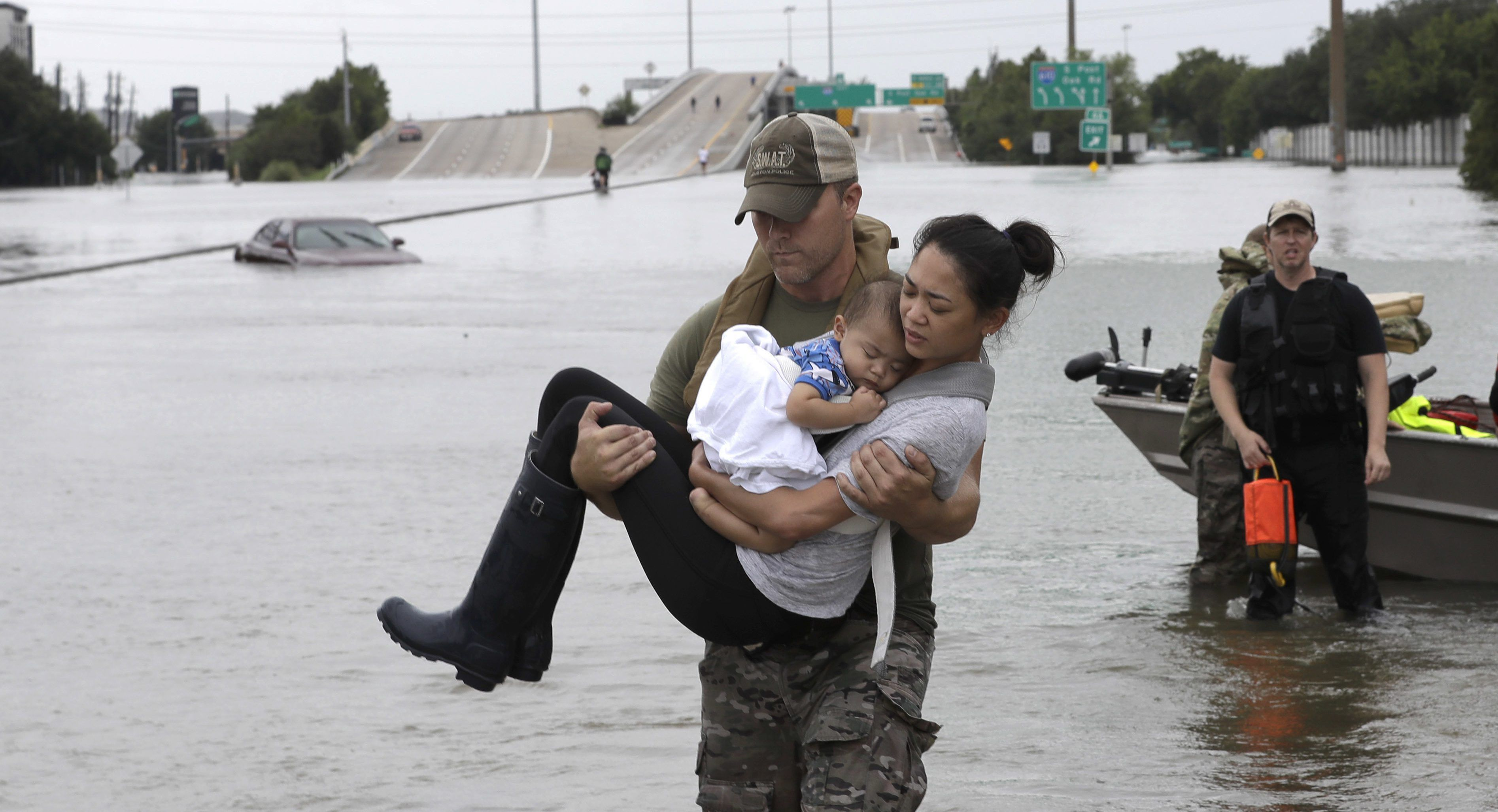 houston flood rescuers