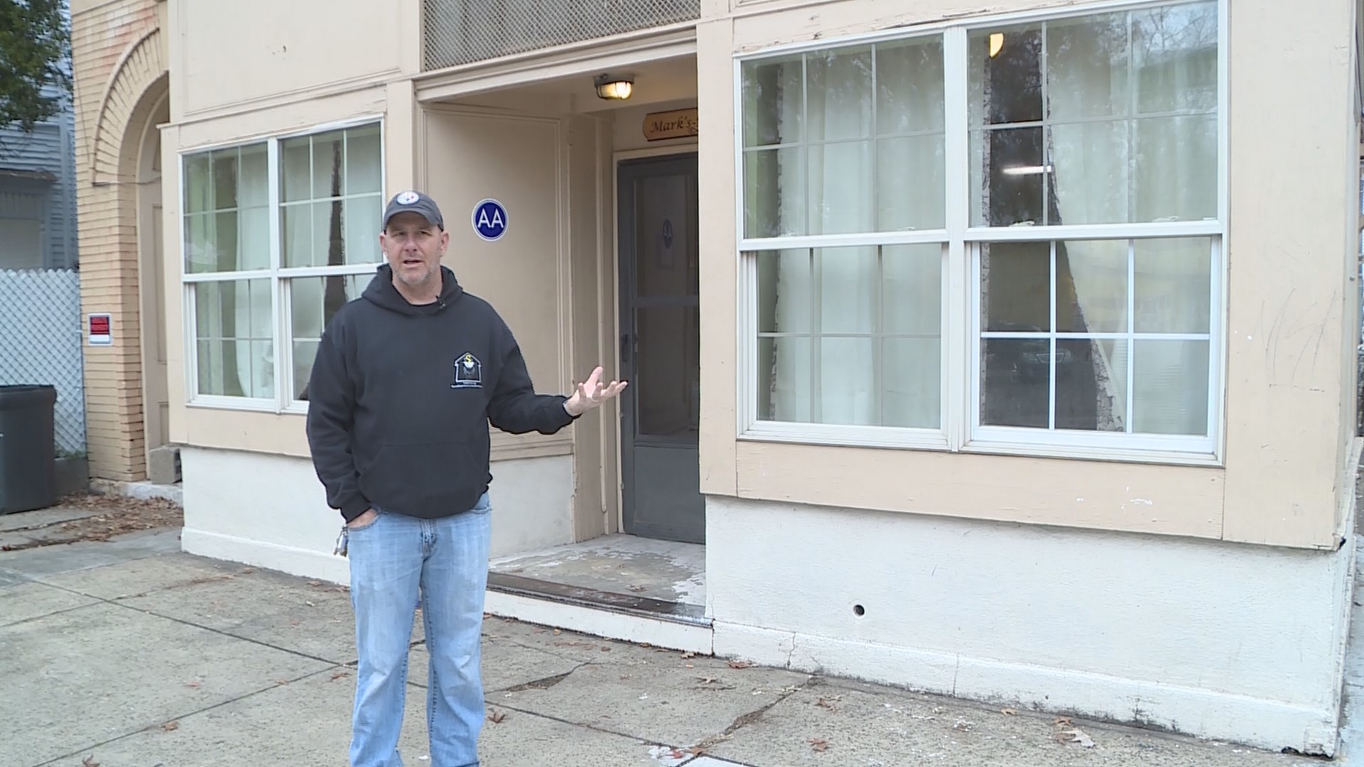 Former Homeless Man Sets Up His Own Homeless Shelter For Those With Nowhere Else To Go