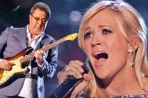 """Carrie Underwood And Vince Gill Perform """"How Great Thou Art"""""""