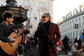 Rod Stewart Surprises Street Musicians